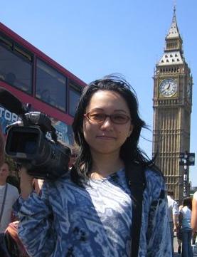naomi_with camera